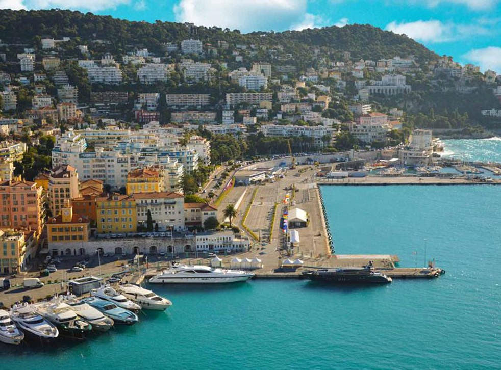 Blue wonder: the bay and yacht harbour in Nice, Côte d'Azur