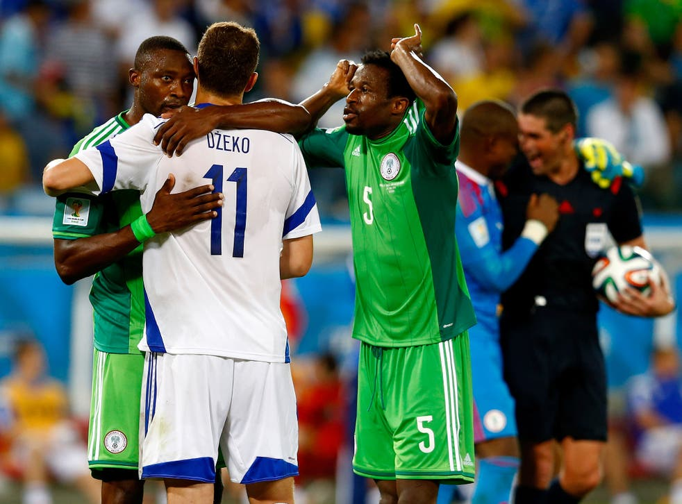 An online petition has reached 20,000 signatures to remove referee Michael O'Leary after a picture appeared of him 'celebrating' with Nigeria players