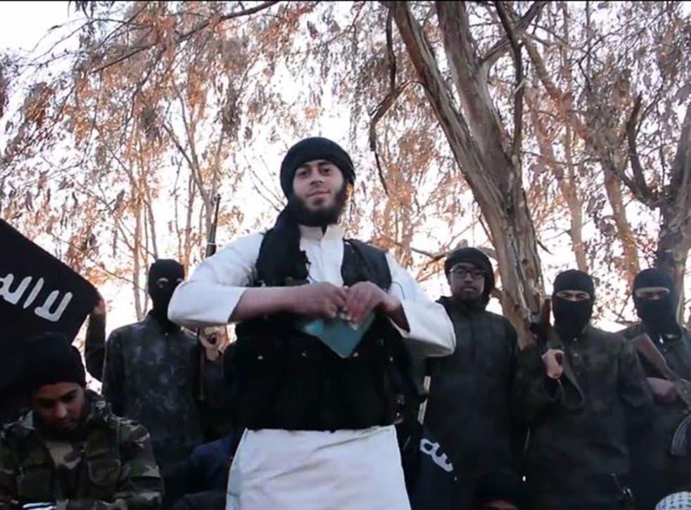 Isis jihadis burn their Iraqi passports