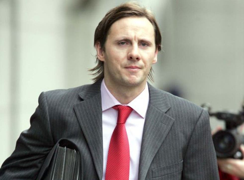 Glenn Mulcaire arrives at court for a phone-hacking hearing in 2006