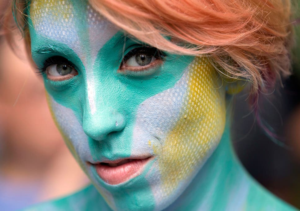 Paint N Stripping Nude Body Painters Take To New York