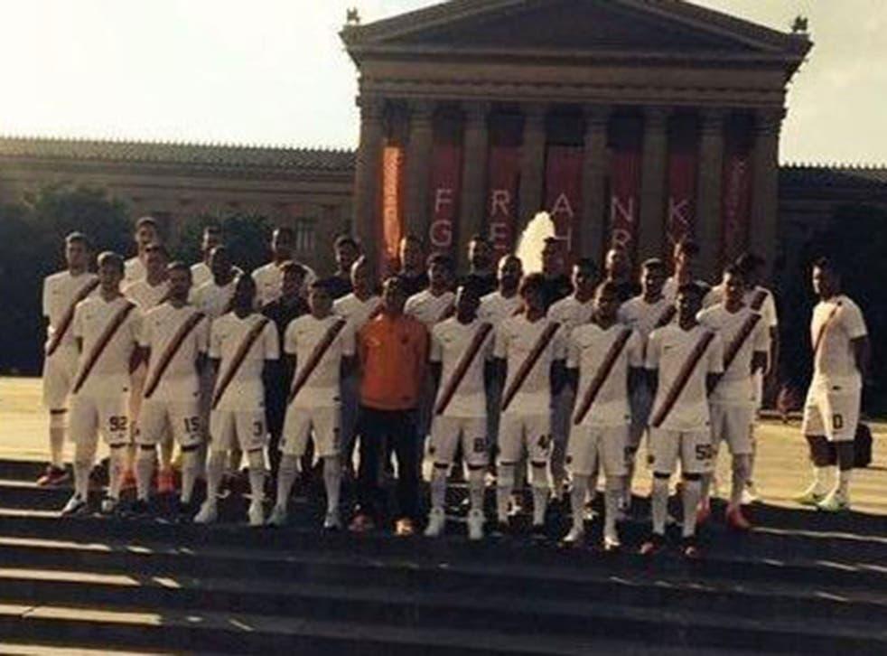 Francesco Totti mocks Ashley Cole in official Roma team photo