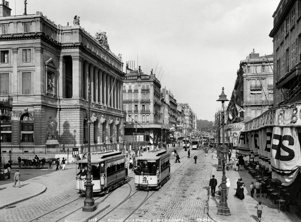 The stock exchange and the Canebière, circa 1900; the avenue was the centre of café life in this period and has also served as the backdrop for several films