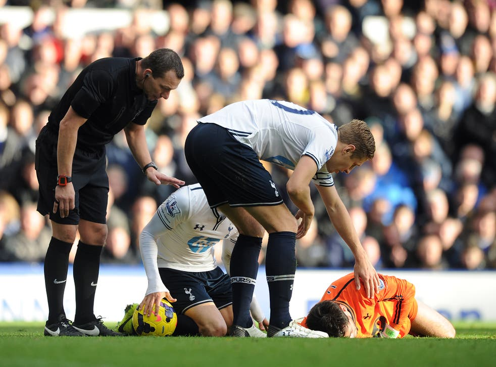Hugo Lloris was knocked out against Everton