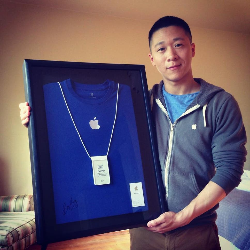 Former Apple Employee Sam Sung Auctions His Business Card For Charity