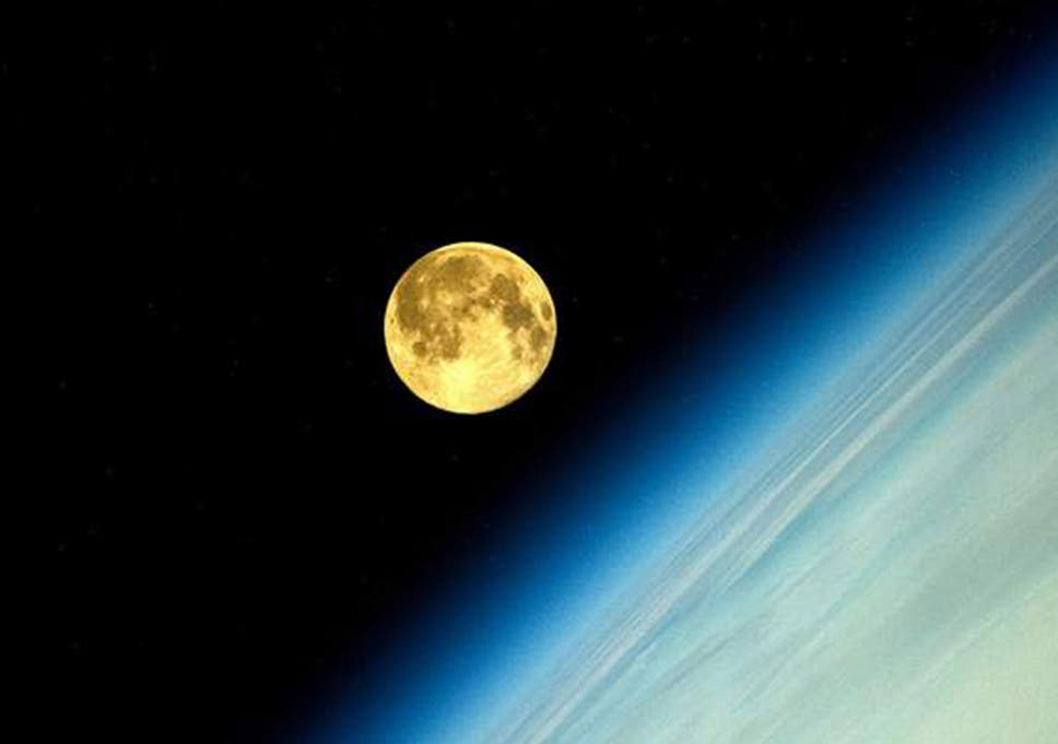 Supermoon 2014 Russian Cosmonaut Gives Early Glimpse Of Perigee