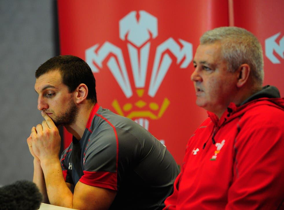 Sam Warburton alongside Wales head coach Warren Gatland