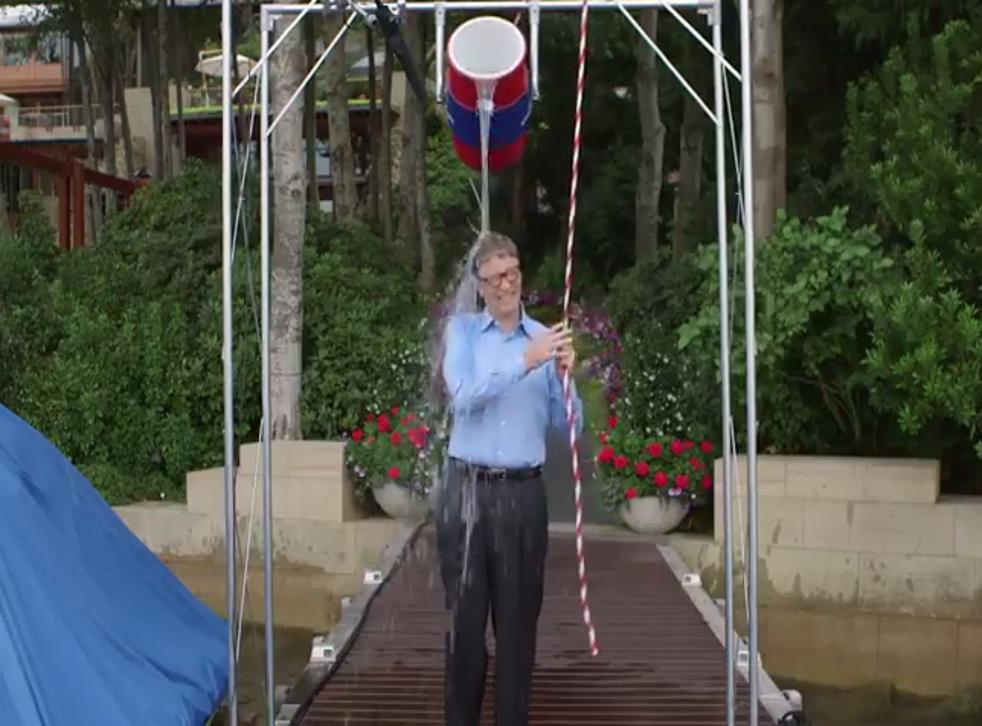 Bill Gates does ice bucket challenge for ALS