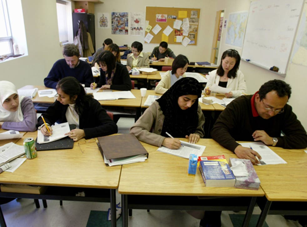 Only 150,000 migrants are registered in classes where English is taught to people for whom it is not their first language