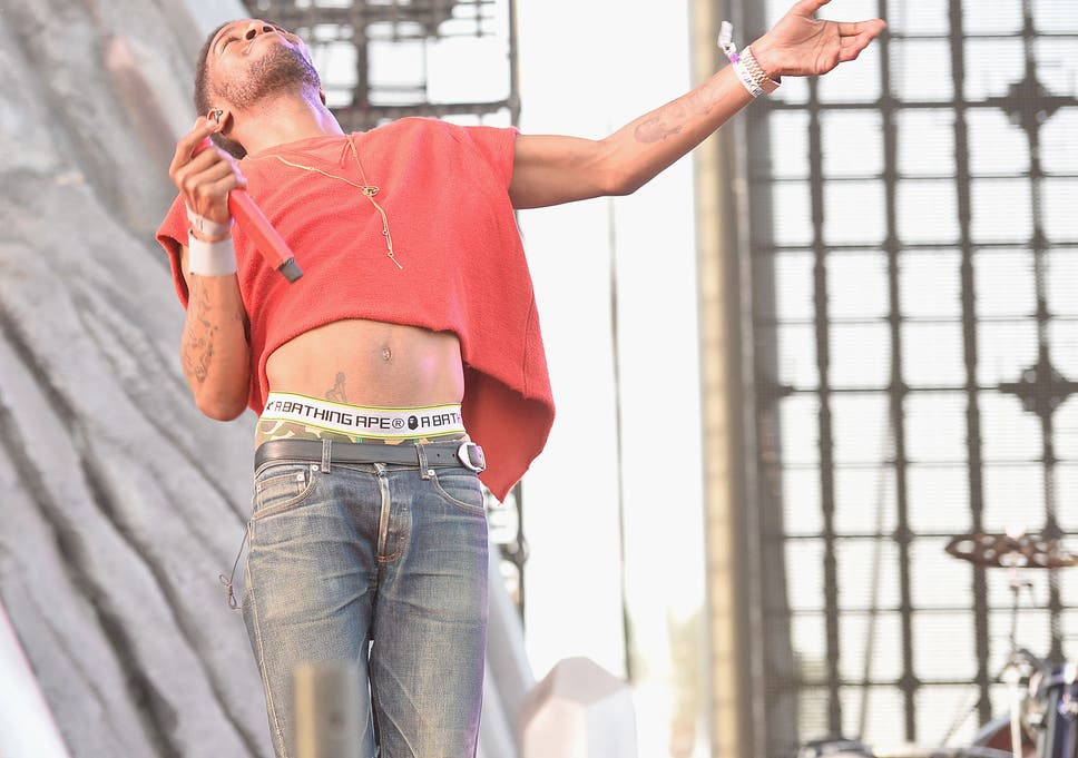 102a55e20e7d5 Kid Cudi brings back the crop top trend in men after his outfit during his  Coachella