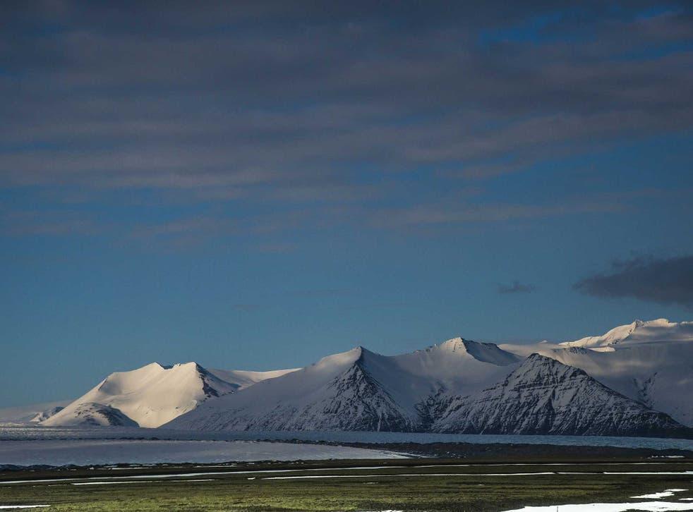 VatnajÃkull glacier and view of Bárðarbunga