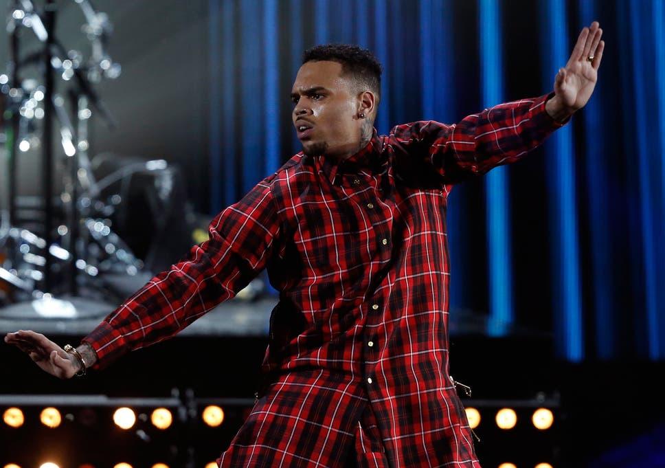 Suge Knight shot at Chris Brown's MTV Video Music Awards