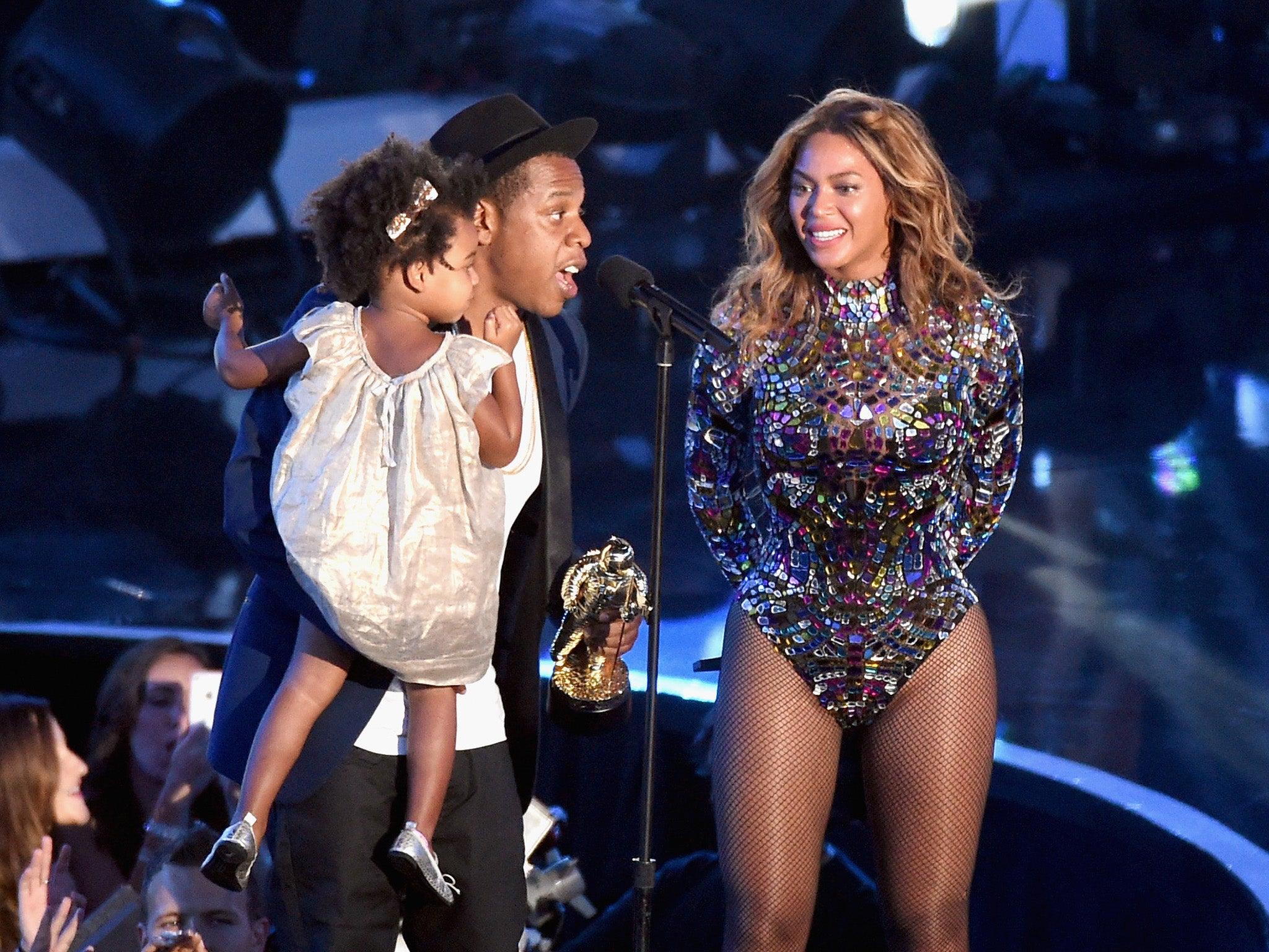 Watch Beyonce perform full album Beyoncé at MTV VMAs 2014