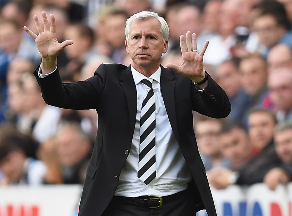 The Newcastle board has cooled towards Alan Pardew after a disappointing start to the season