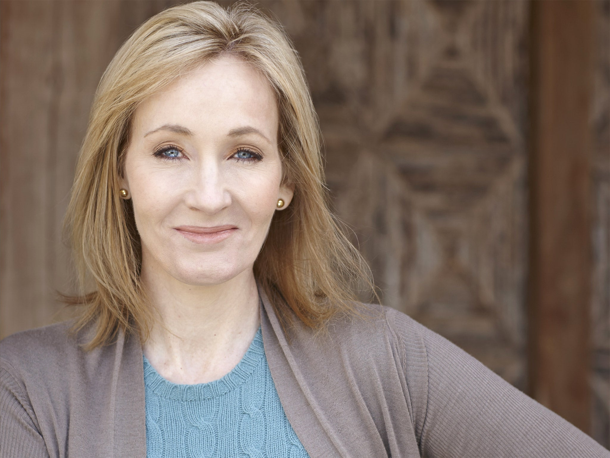 "j k rowling essay Jk, born joanne ""jo"" rowling, really is an entrepreneurial success story in just about five years time, this amazing woman went from being a struggling single mother who was living on social security to a celebrity with a fortune estimated to be around a billion dollars."
