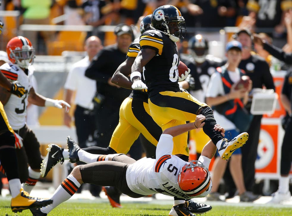 Antonio Brown Karate Kicks Spencer Lanning In The Face During Pittsburgh Steelers Victory Over Cleveland Browns The Independent The Independent