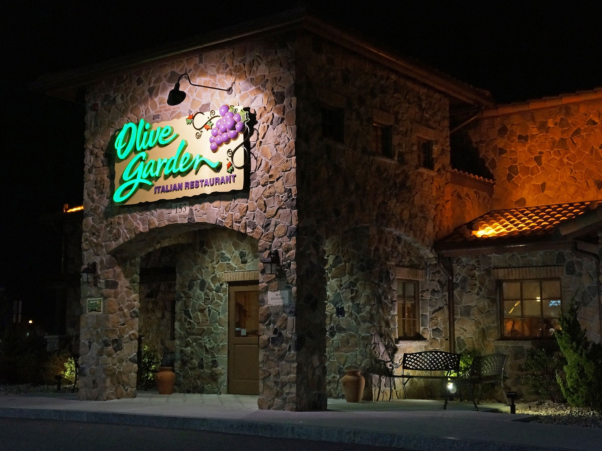 Couple Names Baby Girl After Olive Garden The Independent
