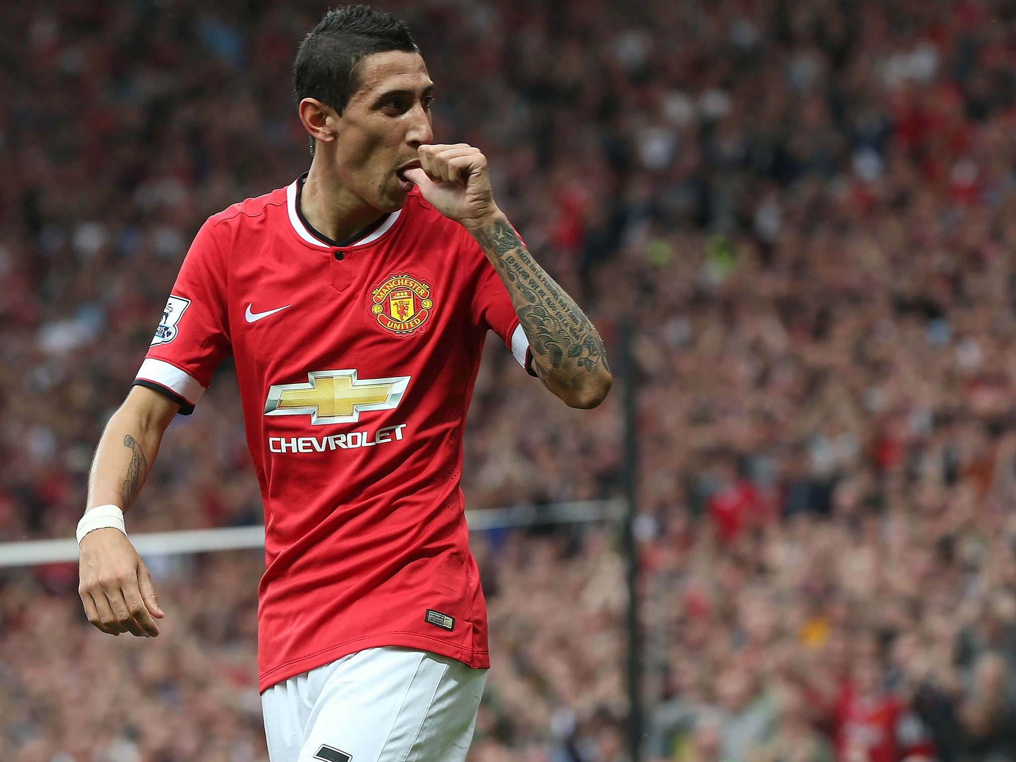 Angel Di Maria Manchester United says a money problem stopped