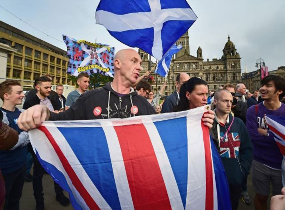 Unionist supporters in George Square
