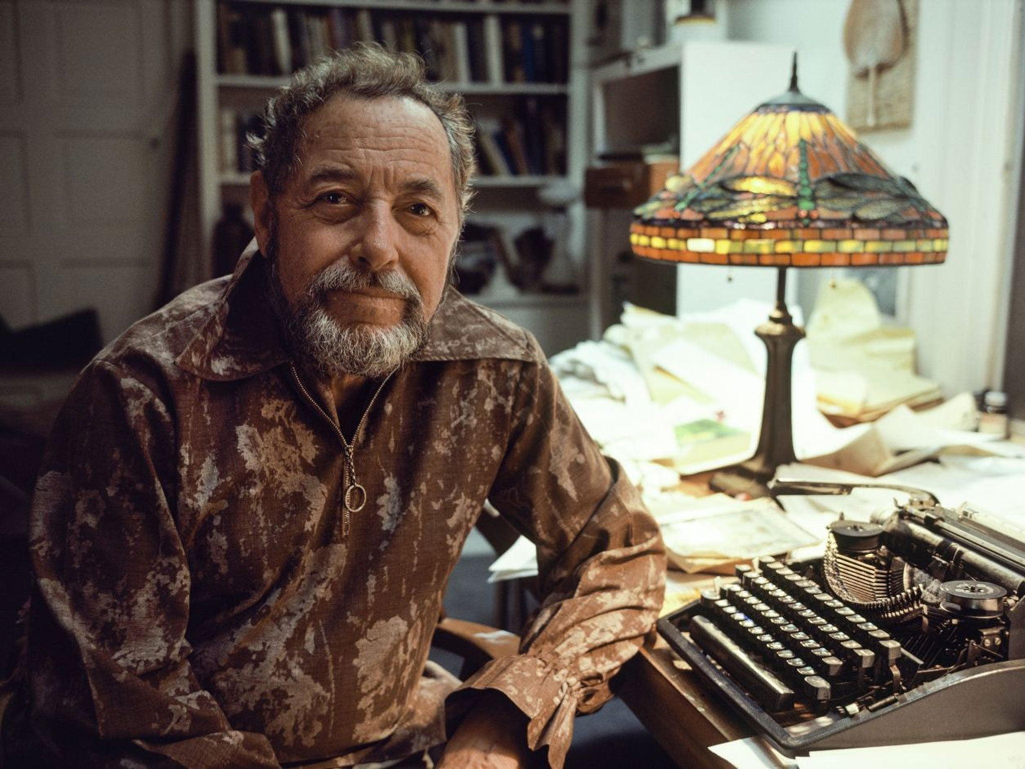 tennessee williams essay Tennessee williams essays tennessee williams wikipedia, tennessee williams he also wrote short stories, poetry, essays and a volume of memoirs williams, tennessee.
