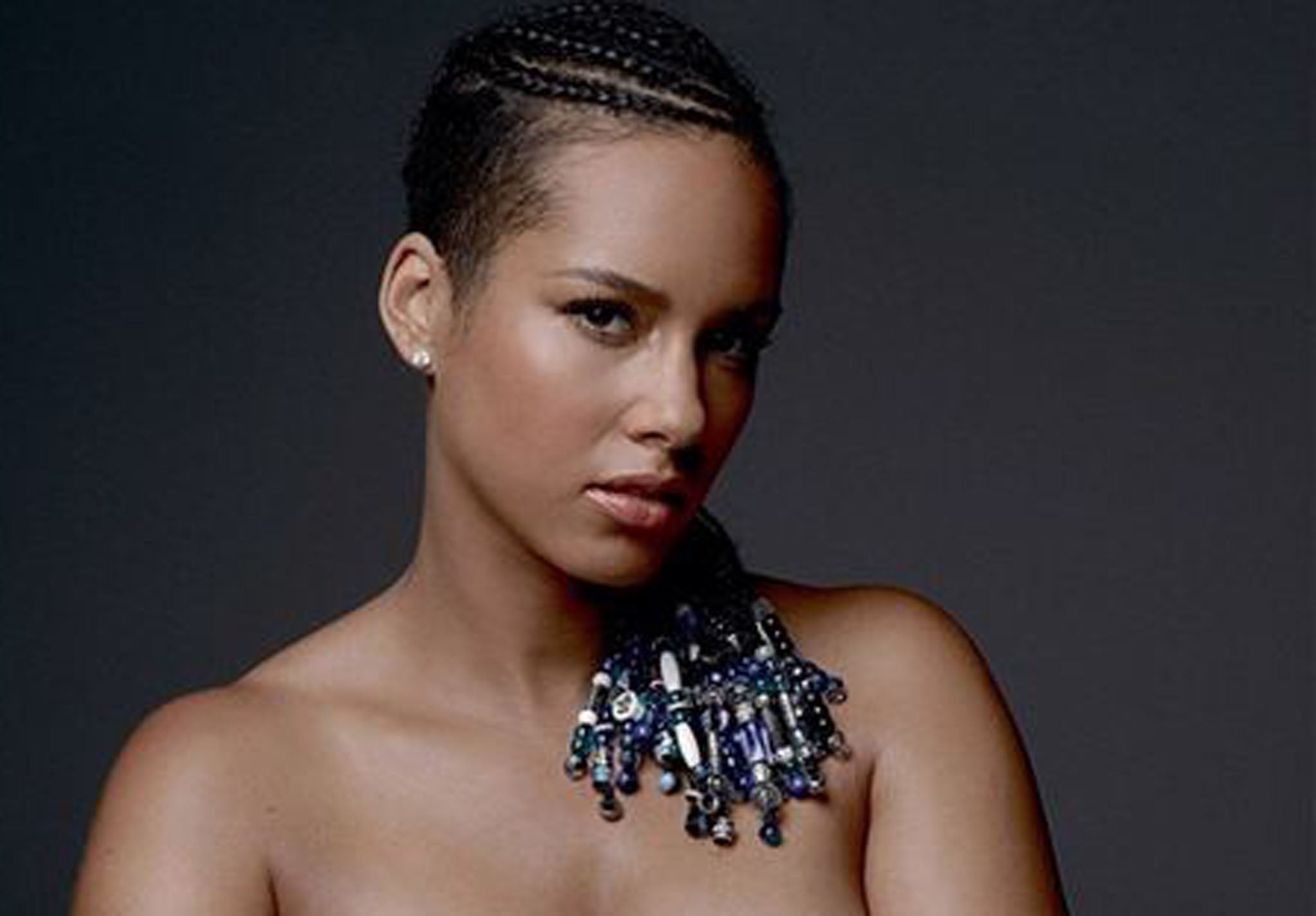 Pregnant Alicia Keys Poses Completely Nude for Charity  See the     Alicia Keys Nude Taylor Hill  Getty Images  Alicia Keys