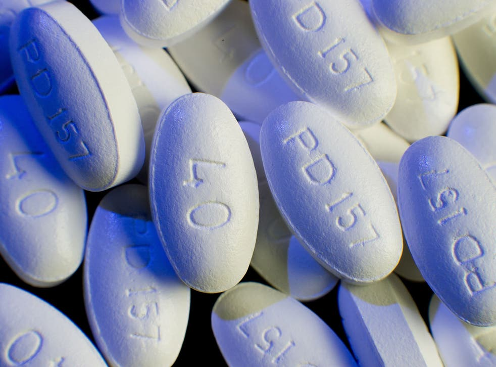 Statin drugs can continue to be prescribed without the need for any form of genetic testing, according to new research