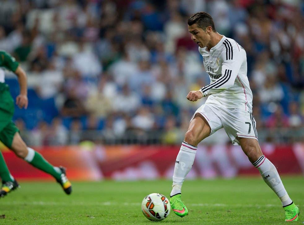 Cristiano Ronaldo scores for Real Madrid against Elche last night