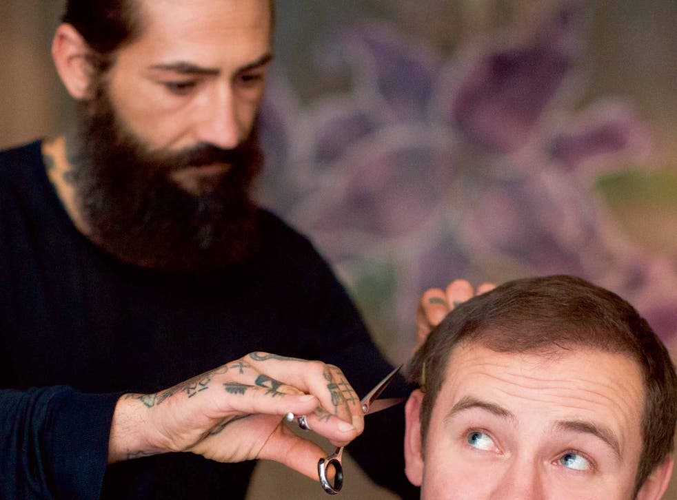 Tom Peck's new follicles get a trim at Taylor Taylor London
