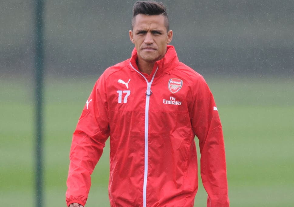 f61995ff8ba28f Arsenal vs Tottenham  Alexis Sanchez warned by Arsenal...for doing ...