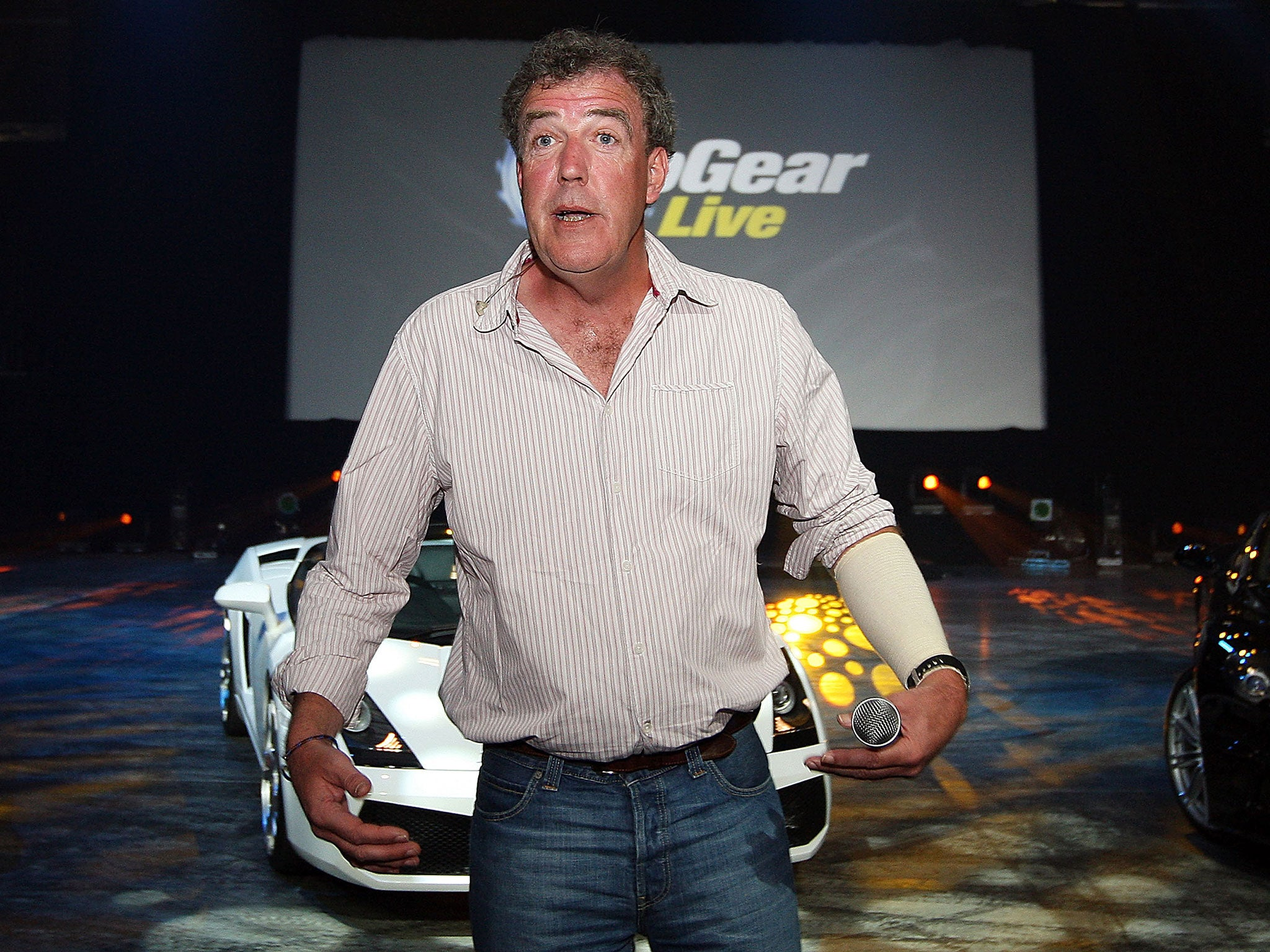 Jeremy clarkson suspended by bbc top gear presenter punched producer because he didn t have dinner ready the independent