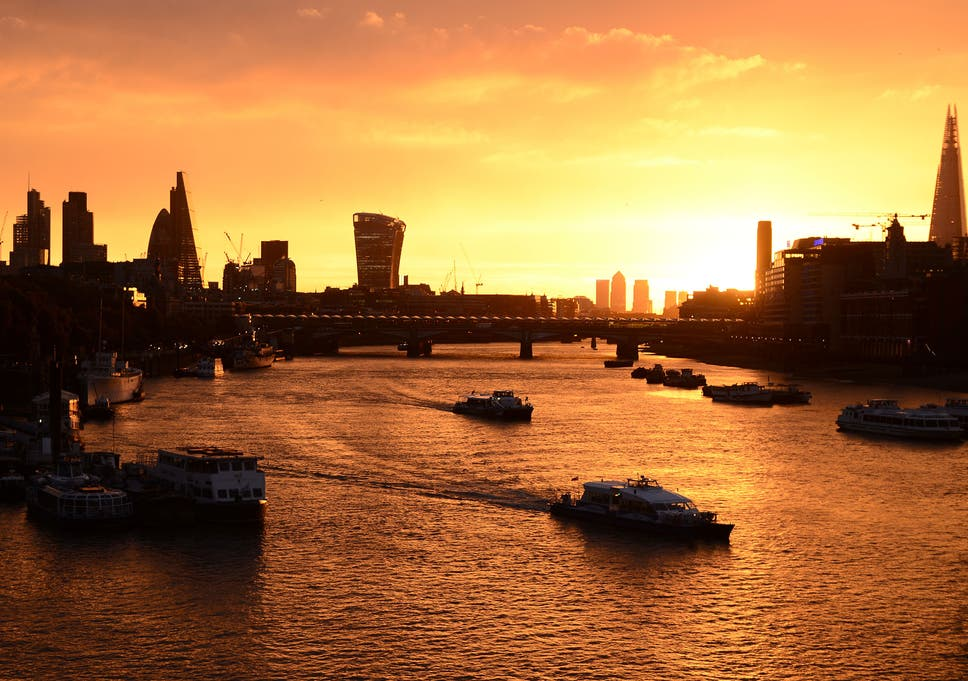 UK weather: London wakes up to stunning sunrise but 'red sky in the