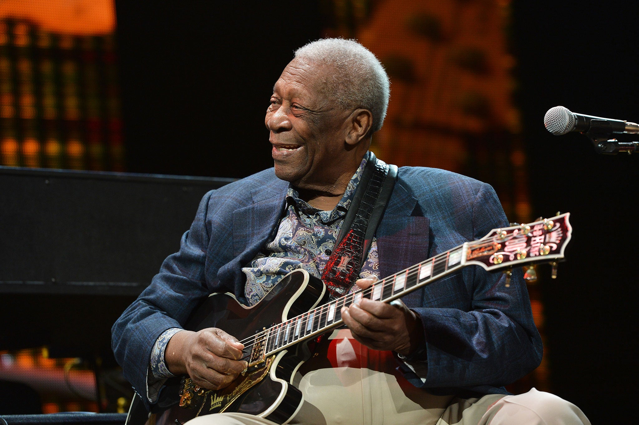 bb king recovering after exhaustion causes blues legend to cancel tour dates people news. Black Bedroom Furniture Sets. Home Design Ideas
