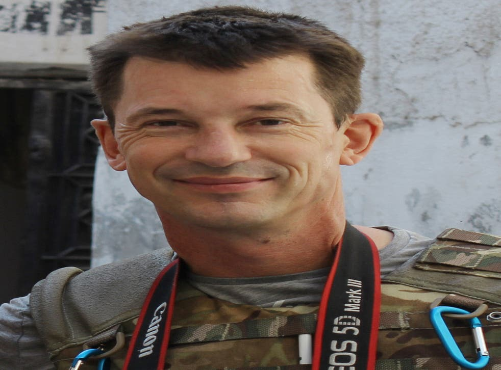 Photojournalist John Cantlie pictured in Aleppo, Syria
