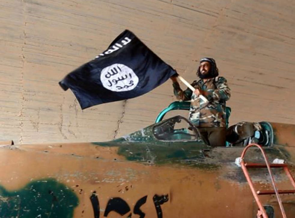 The Syrian Observatory for Human Rights claims Isis militants are learning to fly captured fighter jets