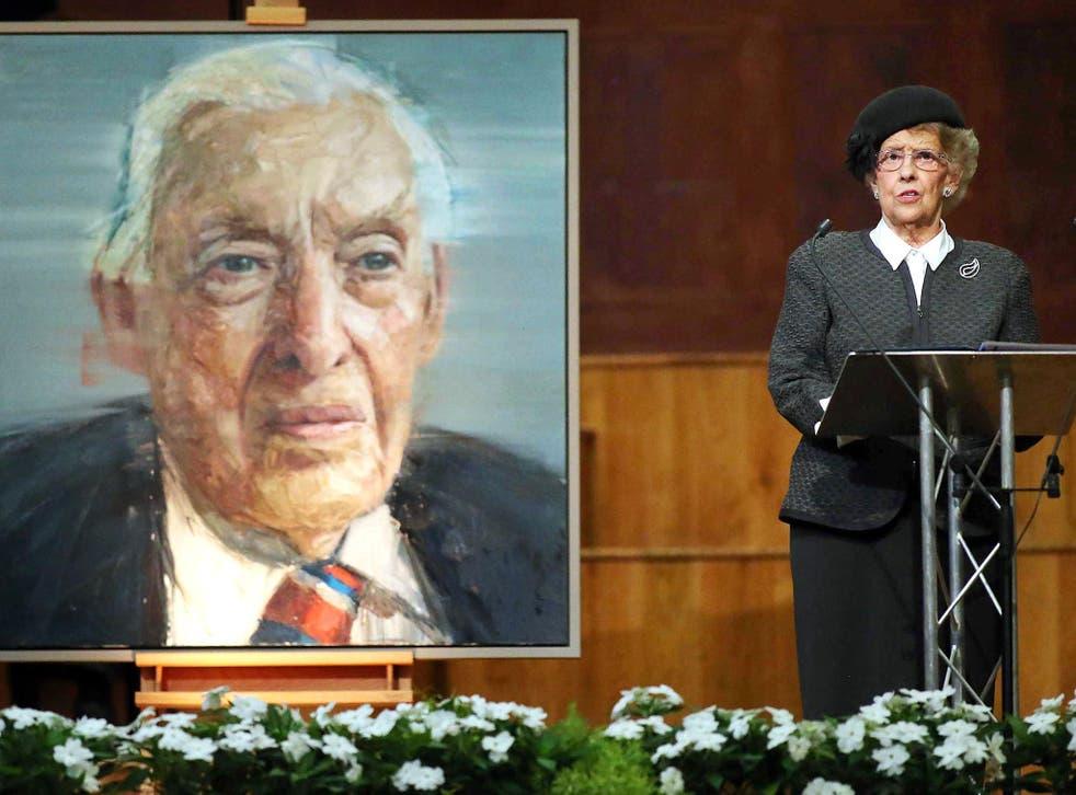 Baroness Eileen Paisley addresses the memorial to Rev Ian Paisley