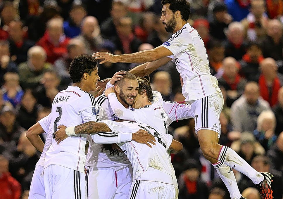 Karim Benzema Centre Is Mobbed After Scoring Reals Third Goal