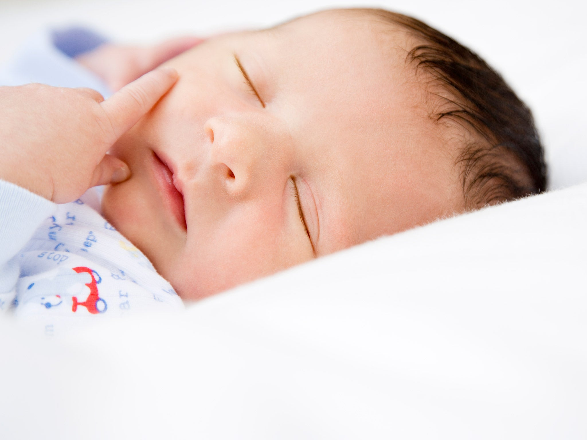 Cocoons for newborns - cutting-edge items indispensable for parents