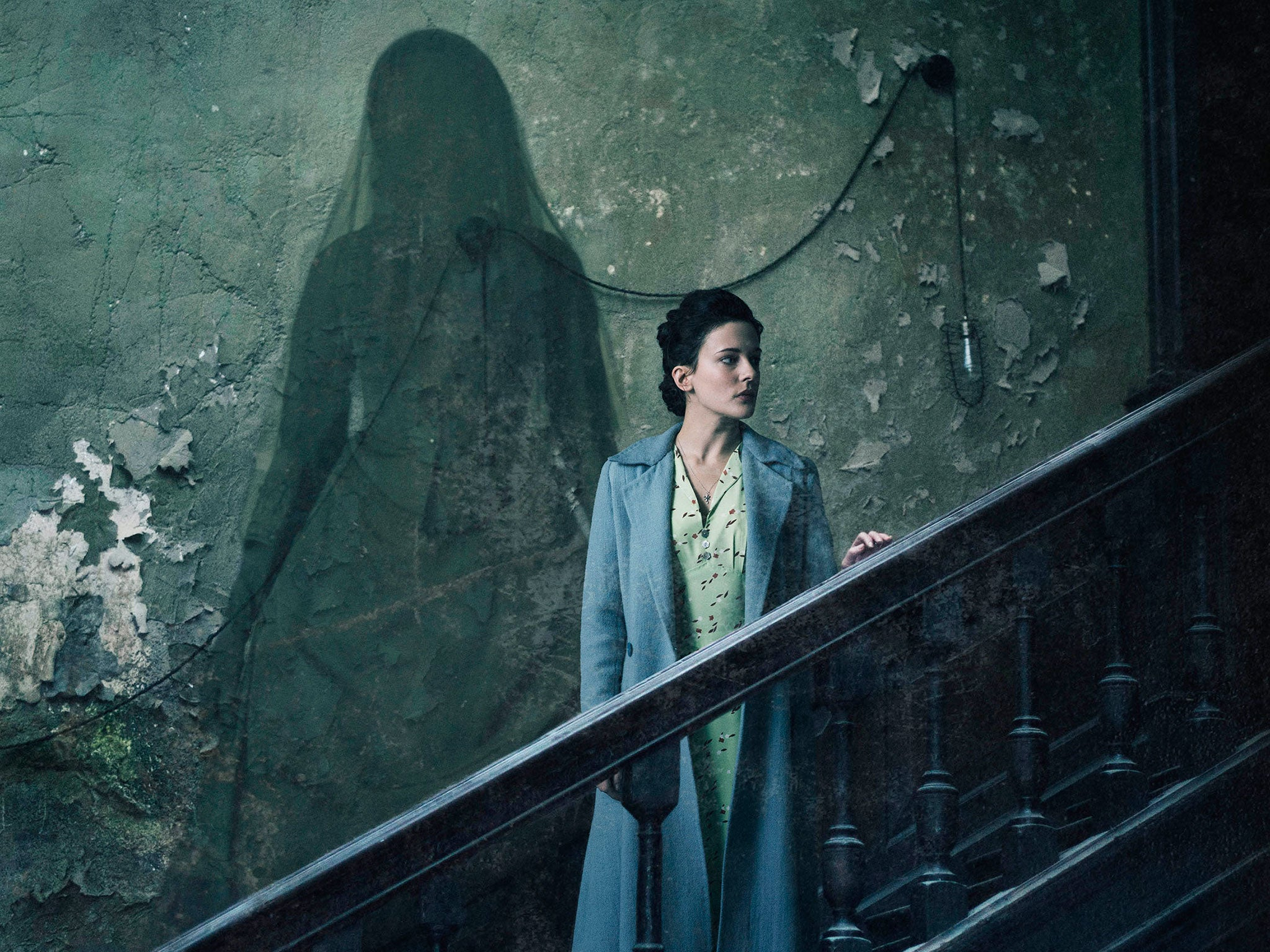 the woman in black: angel of death, film review: story is