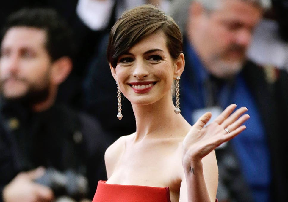 Anne Hathaway Is Already Being Stung By Hollywood Ageism Aged 32
