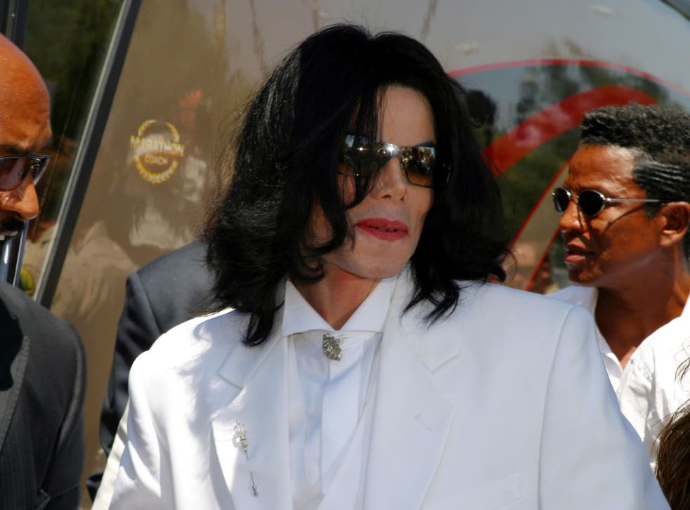 Michael Jackson at a pre-trial hearing in August 2004