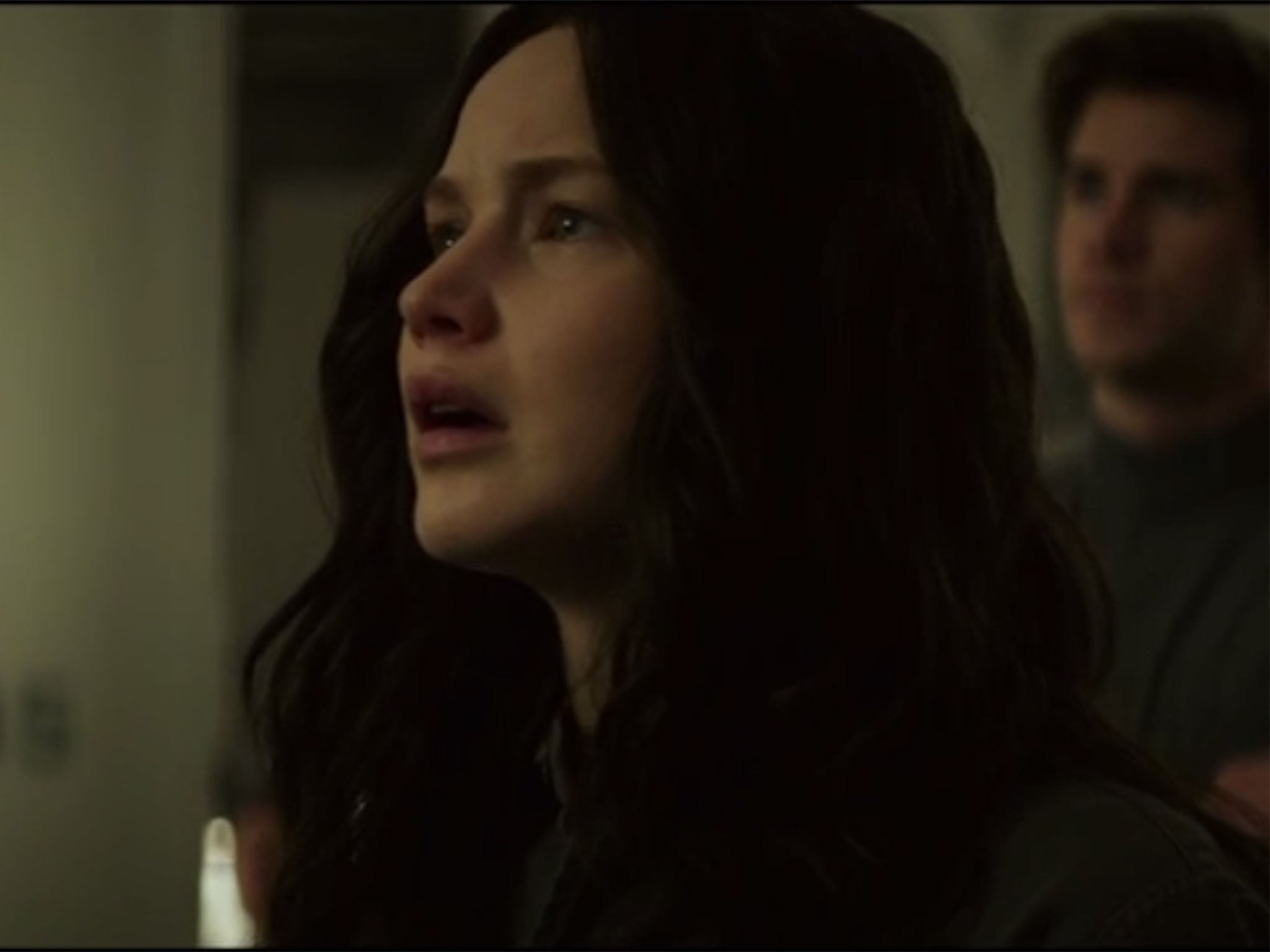 Jennifer Lawrence sings in new The Hunger Games: Mockingjay Pt 1 clip on YouTube