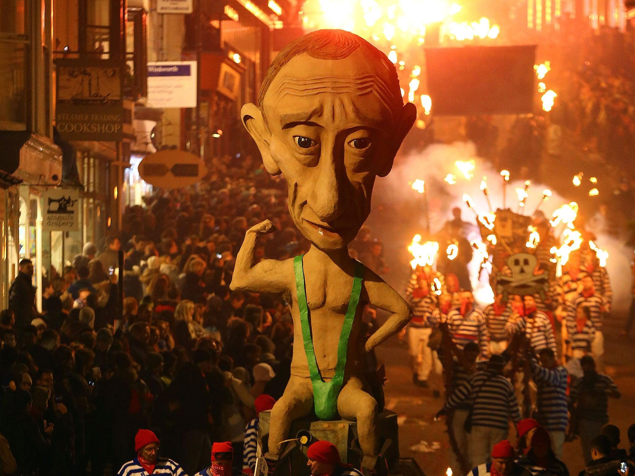https://static.independent.co.uk/s3fs-public/thumbnails/image/2014/11/06/10/putin-mankini-effigy-wide.jpg