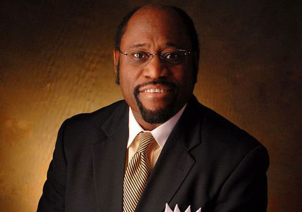 myles munroe renowned preacher dies in bahamas plane crash the