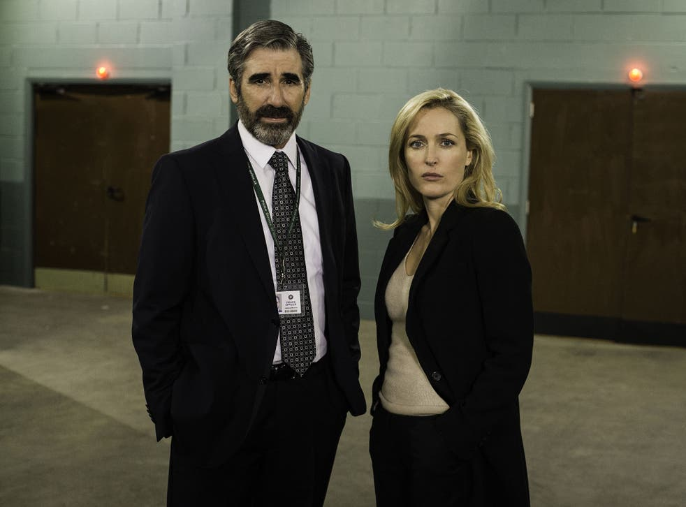John Lynch and Gillian Anderson in The Fall