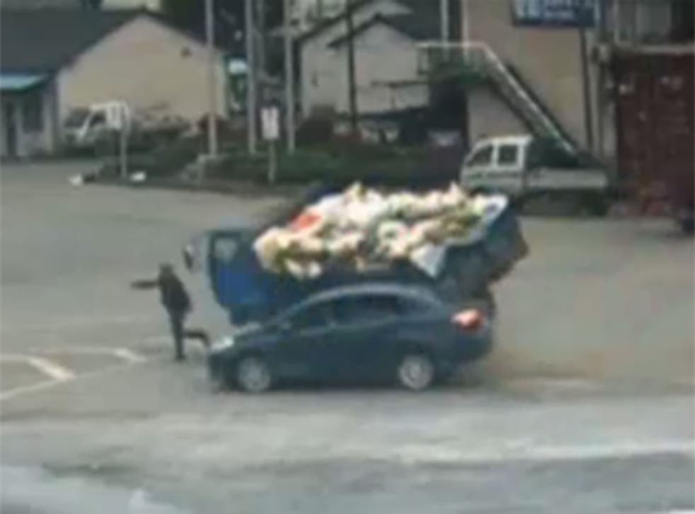 This man in China is arguably the luckiest pedestrian alive.