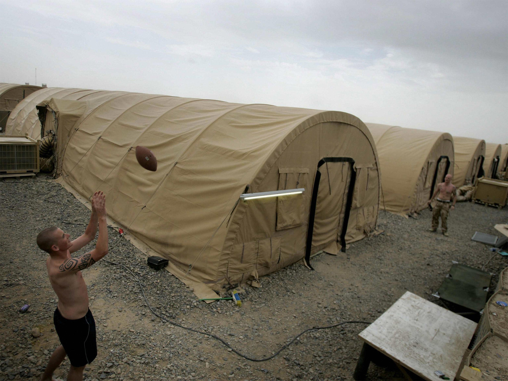 MoD sells charity huge army tents for Iraqis fleeing Isis but RAF wonu0027t fly it there | The Independent & MoD sells charity huge army tents for Iraqis fleeing Isis but RAF ...