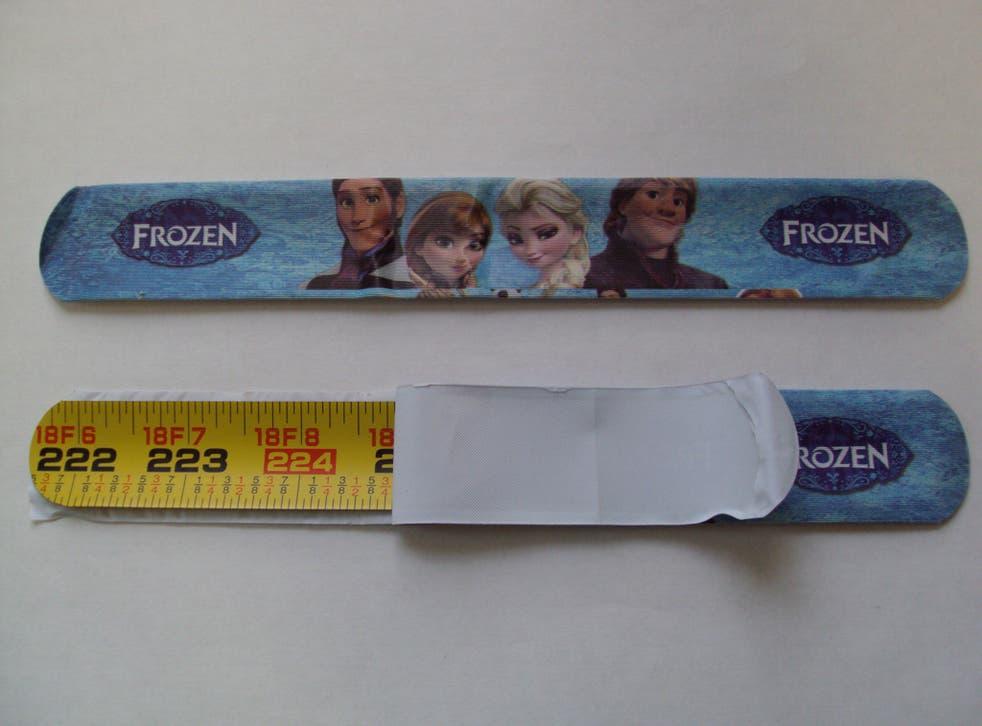 The counterfeit Frozen snap bracelets
