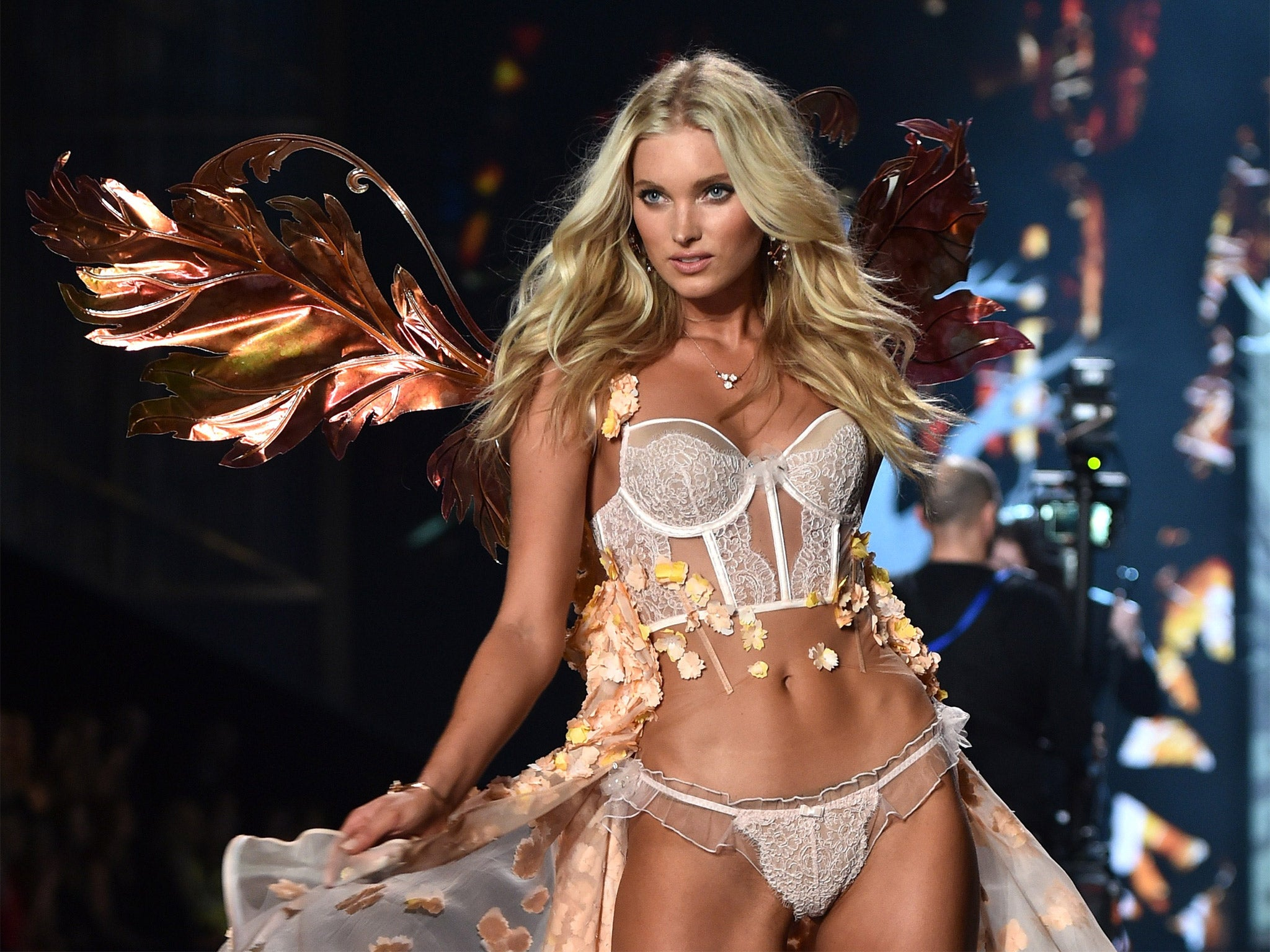 Victoria's Secret 2014 show report: Angels, extravagance and ...