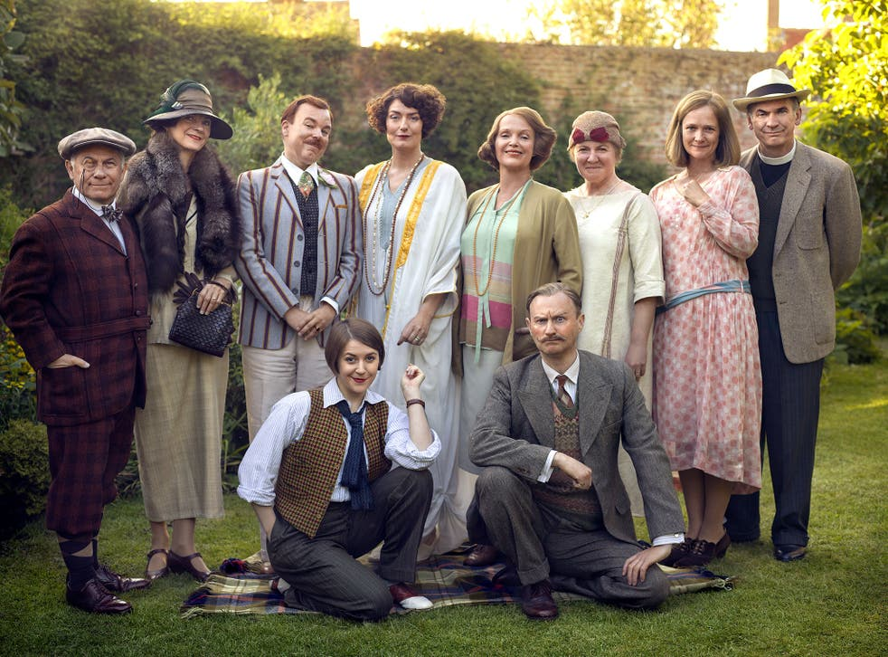 The cast of BBC period drama Mapp and Lucia