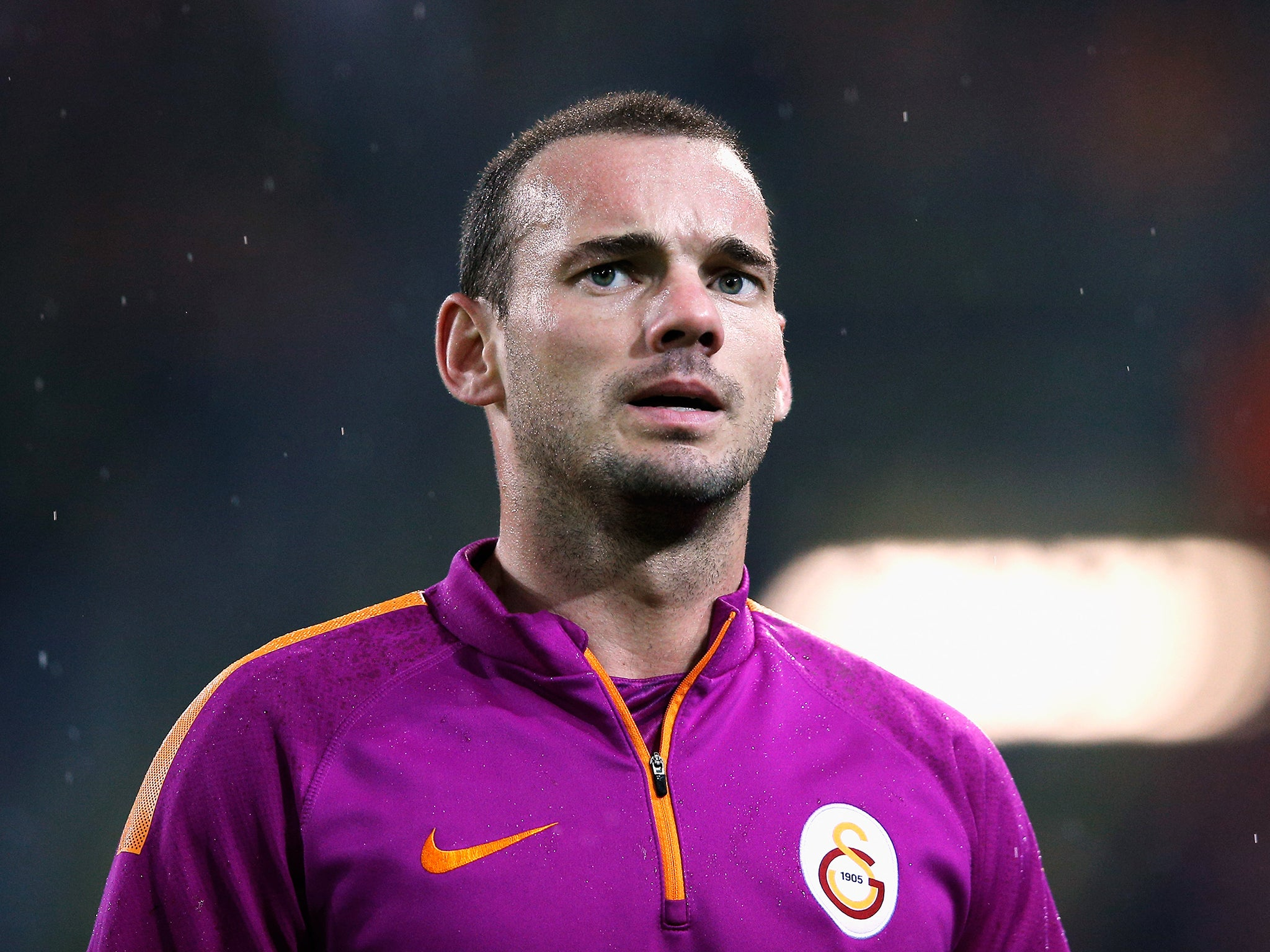 Manchester United and Manchester City linked with Wesley Sneijder